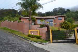 Casa En Ventaen Caracas, Oripoto, Venezuela, VE RAH: 21-10702