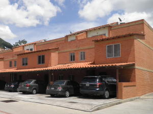Townhouse En Ventaen Valencia, Trigal Norte, Venezuela, VE RAH: 21-10771