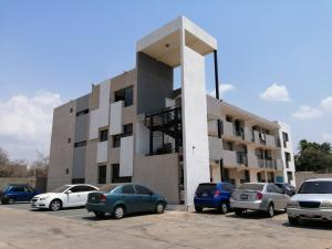 Apartamento En Ventaen Municipio San Francisco, La Coromoto, Venezuela, VE RAH: 21-10812