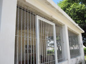 Casa En Ventaen Palo Negro, Conjunto Residencial Palo Negro, Venezuela, VE RAH: 21-10860