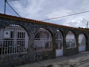 Casa En Ventaen Palo Negro, Palo Negro Ii, Venezuela, VE RAH: 21-10902