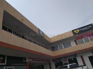 Local Comercial En Alquileren Punto Fijo, Puerta Maraven, Venezuela, VE RAH: 21-10930