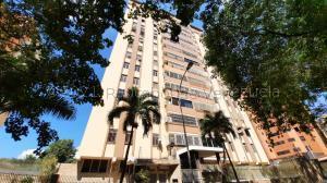 Apartamento En Ventaen Valencia, La Trigaleña, Venezuela, VE RAH: 21-10966