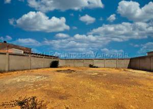 Terreno En Ventaen Punto Fijo, Puerta Maraven, Venezuela, VE RAH: 21-10986