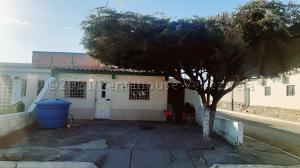 Casa En Ventaen Cabudare, Parroquia José Gregorio, Venezuela, VE RAH: 21-11011