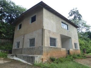 Casa En Ventaen Magdaleno, Carretera Nacional Maracay- Magdaleno, Venezuela, VE RAH: 21-11016