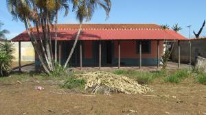 Casa En Ventaen Higuerote, Club Campestre El Paraiso, Venezuela, VE RAH: 21-11030