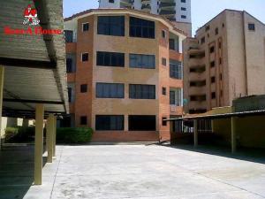 Apartamento En Ventaen Tucacas, Tucacas, Venezuela, VE RAH: 21-11042