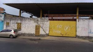 Galpon - Deposito En Ventaen Municipio Miguel Peña, Lomas Del Funval, Venezuela, VE RAH: 21-11094