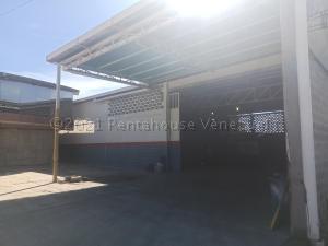 Galpon - Deposito En Ventaen Turmero, El Macaro, Venezuela, VE RAH: 21-11127