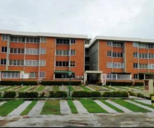 Apartamento En Ventaen Higuerote, La Costanera, Venezuela, VE RAH: 21-11119