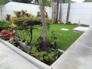 Casa En Ventaen Caracas, Prados Del Este, Venezuela, VE RAH: 21-11147
