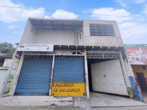 En Ventaen Maracay, Avenida Aragua, Venezuela, VE RAH: 21-11148