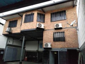 Galpon - Deposito En Ventaen Maracay, 23 De Enero, Venezuela, VE RAH: 21-11180