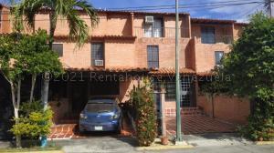 Townhouse En Ventaen Guatire, El Encantado, Venezuela, VE RAH: 21-11191