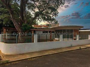 Casa En Ventaen Punto Fijo, Casacoima, Venezuela, VE RAH: 21-3123