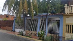Casa En Ventaen Maracay, La Morita, Venezuela, VE RAH: 21-11227
