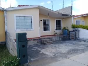 Casa En Ventaen Barquisimeto, Parroquia Tamaca, Venezuela, VE RAH: 21-11254