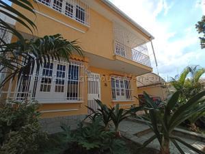 Casa En Ventaen Valencia, Trigal Sur, Venezuela, VE RAH: 21-11498