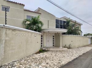 Casa En Ventaen Maracaibo, Monte Bello, Venezuela, VE RAH: 21-11291