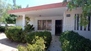 Casa En Ventaen Maracaibo, Santa Rita, Venezuela, VE RAH: 21-11316