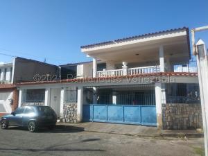 Casa En Ventaen Municipio Naguanagua, La Campina Ii, Venezuela, VE RAH: 21-12430