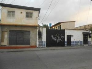 Terreno En Ventaen Maracay, Zona Centro, Venezuela, VE RAH: 21-11387