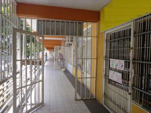 Local Comercial En Ventaen La Victoria, Centro, Venezuela, VE RAH: 21-11433