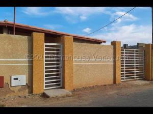 Casa En Ventaen Punto Fijo, Guanadito, Venezuela, VE RAH: 21-10465