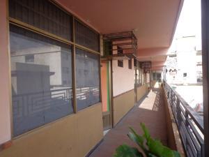Local Comercial En Ventaen La Victoria, Centro, Venezuela, VE RAH: 21-11438