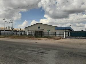 Galpon - Deposito En Ventaen Municipio San Francisco, Zona Industrial, Venezuela, VE RAH: 21-11490