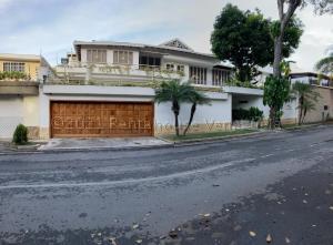 Casa En Ventaen Caracas, El Cafetal, Venezuela, VE RAH: 21-11501