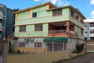 Casa En Ventaen Palo Negro, Los Naranjos, Venezuela, VE RAH: 21-11523
