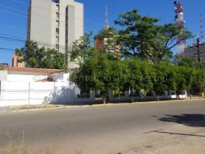 Local Comercial En Ventaen Maracaibo, La Lago, Venezuela, VE RAH: 21-12319