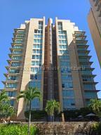 Apartamento En Alquileren Caracas, Campo Alegre, Venezuela, VE RAH: 21-13477