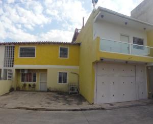 Apartamento En Ventaen Municipio Linares Alcantara, La Morita Ii, Venezuela, VE RAH: 21-11602