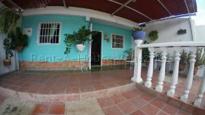 Casa En Ventaen Barquisimeto, Parroquia El Cuji, Venezuela, VE RAH: 21-11626