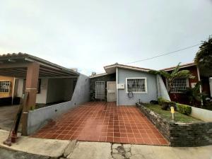 Casa En Ventaen Cabudare, Prados Del Golf, Venezuela, VE RAH: 21-11658