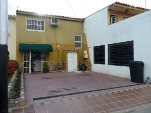Casa En Ventaen Turmero, Valle Paraiso, Venezuela, VE RAH: 21-11668