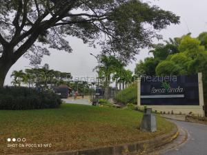 Terreno En Ventaen Caracas, El Hatillo, Venezuela, VE RAH: 21-12085
