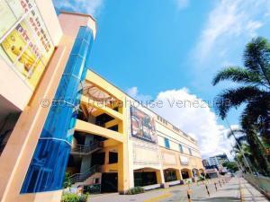 Local Comercial En Ventaen Maracay, Las Delicias, Venezuela, VE RAH: 21-11748