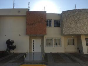 Townhouse En Ventaen Ciudad Ojeda, Nueva Venezuela, Venezuela, VE RAH: 21-11783