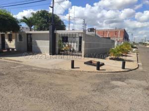 Casa En Ventaen Municipio San Francisco, La Coromoto, Venezuela, VE RAH: 21-12212