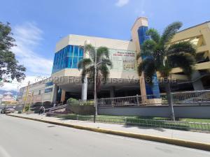 Local Comercial En Ventaen Maracay, Las Delicias, Venezuela, VE RAH: 21-11796