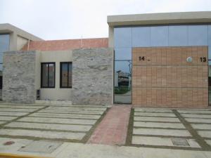 Casa En Ventaen Tucacas, Santa Rosa, Venezuela, VE RAH: 21-11801