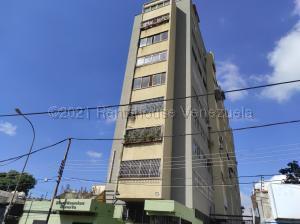 Apartamento En Ventaen Valencia, Avenida Bolivar Norte, Venezuela, VE RAH: 21-11834