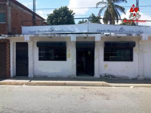 Local Comercial En Ventaen Maracay, Santa Rita, Venezuela, VE RAH: 21-11826