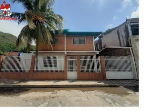 Casa En Ventaen Maracay, La Candelaria, Venezuela, VE RAH: 21-11827