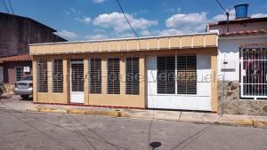 Casa En Ventaen Turmero, Parque Residencial Araguaney Ii, Venezuela, VE RAH: 21-11832