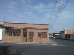 Casa En Ventaen Maracay, San Jose, Venezuela, VE RAH: 21-11875